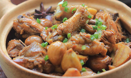 Cánh gà om hạt dẻ – Làm dễ ăn ngon