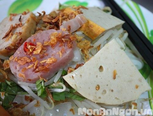 Thưởng thức đồ ăn nhanh Sài Gòn phố