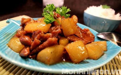 Thịt lợn kho củ cải – đơn giản mà ngon cơm