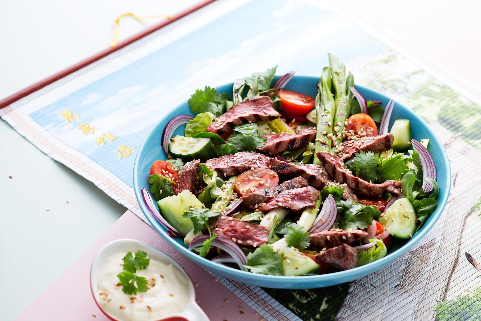 Cách làm món salad bò kiểu Thái