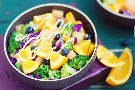 Hướng dẫn làm nhanh món Salad rau quả