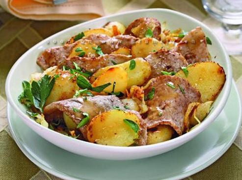 Đổi món cho bữa tối với thịt bê xào khoai tây