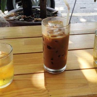Cafe Sinh Tố –  Lô 7A Lê Hồng Phong