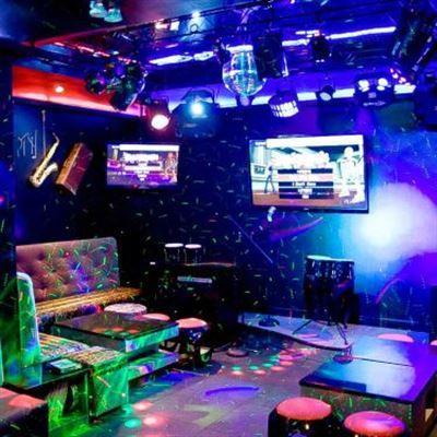 Xuân Tùng – Cafe & Karaoke