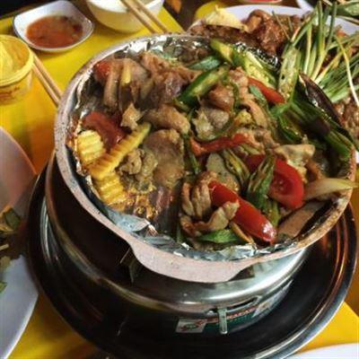 Gốc Trúc – Lẩu & Nướng