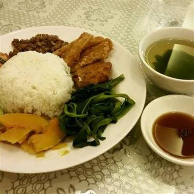 Bà Dung – Cơm Đĩa & Hộp