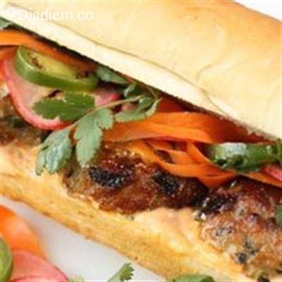 Bánh Mì Heo Quay – 747 Trần Cao Vân