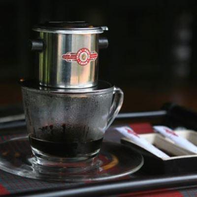 Y Bình Cafe – Cách Mạng Tháng 8