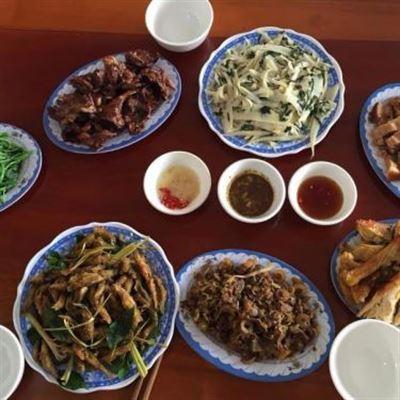 Nguyễn Huệ – Cơm Lẩu Bình Dân