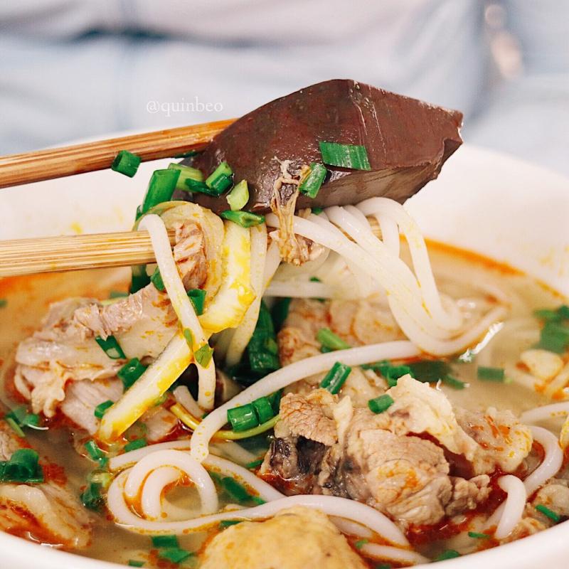 Bún Bò Huế - Lê Văn Hiến