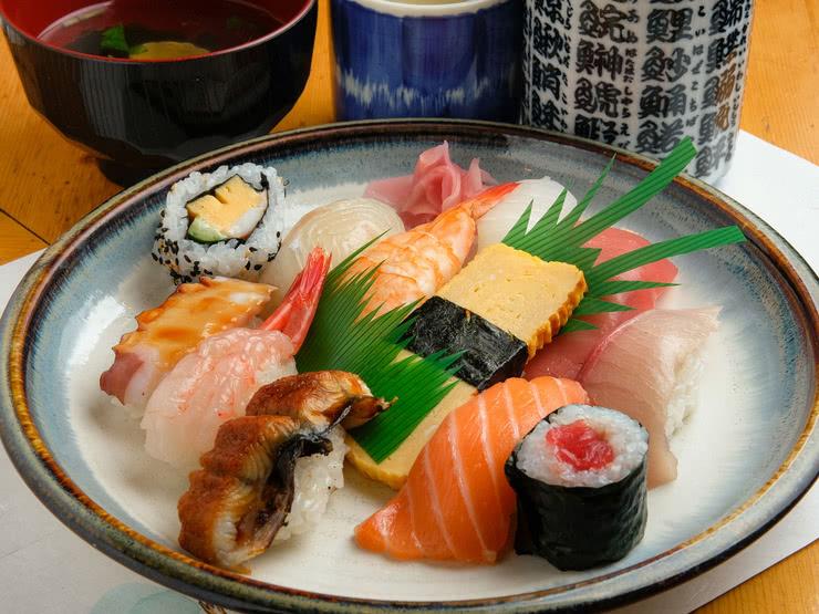 Mê mẩn với 5 địa chỉ sushi ngon nhất quận Bình Thạnh